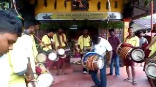 getlinkyoutube.com-Sri Naaga Kanni Urumi Melam at teluk intan chitrapournami 2