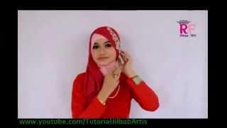 getlinkyoutube.com-Hijab segi empat simple Kreasi BELLE TRIANGLE by RIKSA FITRI