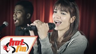 getlinkyoutube.com-AMYRA ROSLI, WARIS, JUZZTHIN - Ada Saja (LIVE) - Akustik Hot - #HotTV