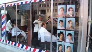 getlinkyoutube.com-Japan barber offering free crazy hair cuts