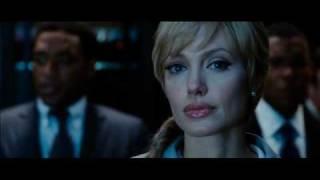 Salt - il primo trailer ufficiale italiano in HD