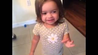 getlinkyoutube.com-HILARIOUS LITTLE GIRL VINE!