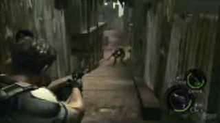 getlinkyoutube.com-Resident Evil 5 - Chainsaw Majini Kill's Chris