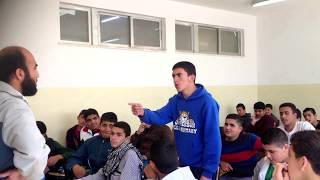 getlinkyoutube.com-مدرس يضرب الطالب على وجهه فيقول له قصيدة تجعله يبوس رأسه