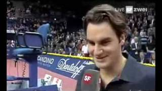 getlinkyoutube.com-Roger Federer Lachanfall, Swiss Indoors 2007