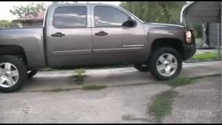 getlinkyoutube.com-Silverado Mud Grapplers Flowmaster 50