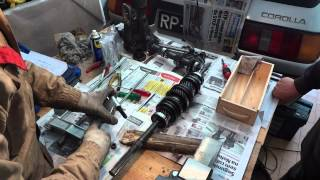 getlinkyoutube.com-1987 Corolla GT AE86 Gearbox Rebuild - Part 6.6 - Remove Mainshaft rear bearing