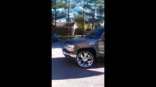 Chevy Tahoe on 26's