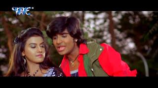 getlinkyoutube.com-मोबिल डाला जाई कहियो मशीन - Saugandh Ganga Maiya Ke   Sexy Akshra Sing   Bhojpuri Film Song 2015
