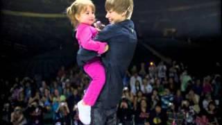 getlinkyoutube.com-Justin Bieber - Love me