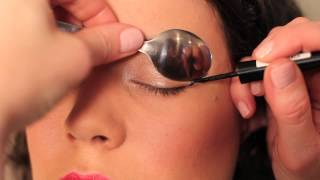 getlinkyoutube.com-How to use a Spoon to Curl Eyelashes, Apply Liquid Eyeliner & Mascara!!