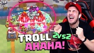 TROLL ASSURDO 3 CORONE CON SOLO 4 BARILI GOBLIN! Troll 2 VS 2 CLASH ROYALE!