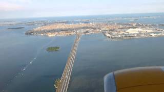 getlinkyoutube.com-Landing at Venice Airport 19:45 Hours seat no. 7 Jet Time ( Jet 2 replacement plane )