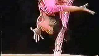 getlinkyoutube.com-Young chinese acrobat contortionist act