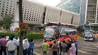 getlinkyoutube.com-Mudik 2016 Bersama SCANIA PT United Tractors...salam Telolet