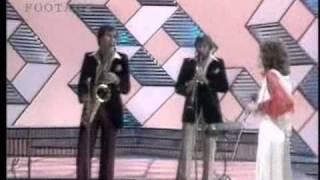 """getlinkyoutube.com-A very sick Karen Carpenter sings """"live"""""""