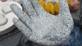 getlinkyoutube.com-Beton giessen - DIY - Betonhand / Hand aus Beton mit Einmalhandschuh gemacht