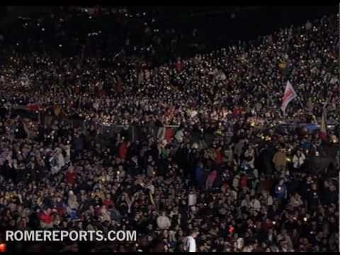 Crowds at beatification vigil remember the life of John Paul II