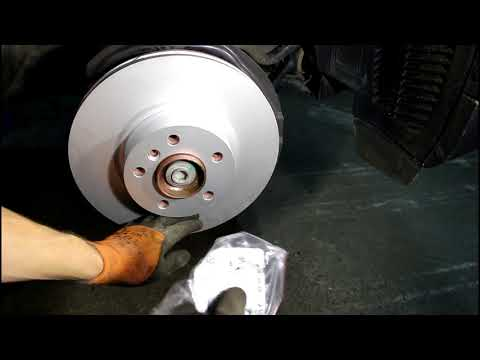 Замена передних тормозных дисков и колодок BMW X3 2016 БМВ X3 2,0