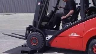 getlinkyoutube.com-Linde Hydrostatic 39X - The Ultimate Forklift