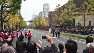 getlinkyoutube.com-大阪御堂筋でフェラーリのF1マシンが公道走行