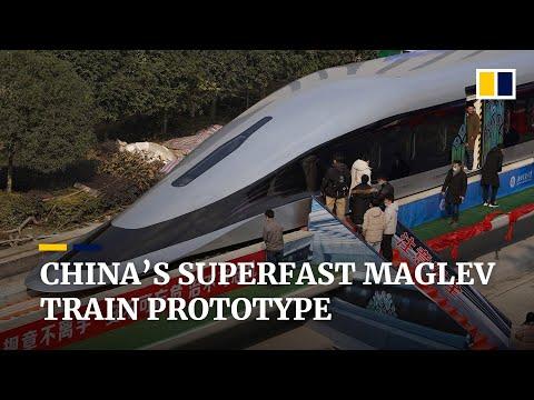 Čína odhalila nejmodernější prototyp vlaku svištícího rychlostí 620 km/h