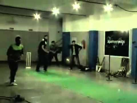 Harbhajan Singh - Teesra Ball Action during Worldcup.flv