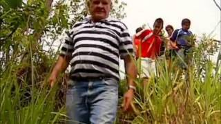 getlinkyoutube.com-Globo Repórter: Avô salva neto atacado por cobra de cinco metros com as próprias mãos!