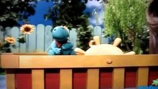 getlinkyoutube.com-Caillou Puppets   Rexy's Hug Song