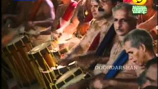 getlinkyoutube.com-Thrissur Pooram_ilanjithara Melam 2012 part 3 of 4
