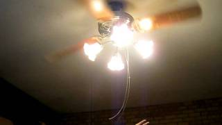 getlinkyoutube.com-Wobbley Ceiling Fan O_o
