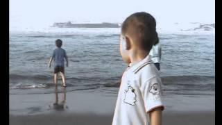 getlinkyoutube.com-Detik detik terseret ombak pantai selatan 3