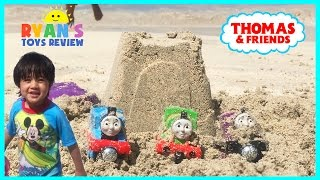 getlinkyoutube.com-Thomas and Friends Surprise Toys in the sand at the Beach Toy Trains for Kids Family Fun Trip