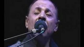 NEŞET ERTAŞ KONSER İKİ BÜYÜK NİMETİM VAR şarkısı dinle