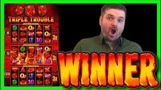 getlinkyoutube.com-Triple Trouble Slot Machine Bonus - Big Win!!!