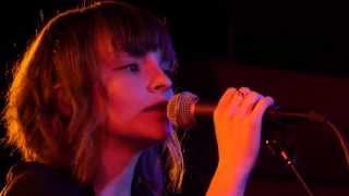 getlinkyoutube.com-CHVRCHES - Full Performance (Live on KEXP)