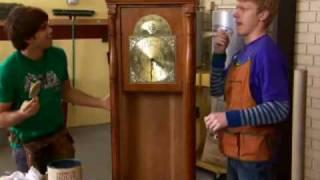 getlinkyoutube.com-Zeke and Luther - Grandfather Clock - Board In Class - Episode Sneak Peek - Disney XD Official