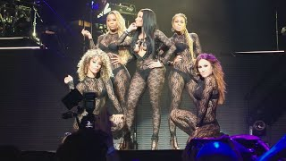 "getlinkyoutube.com-Nicki Minaj ""Feeling Myself"" - The Pink Print Tour : Houston Texas"