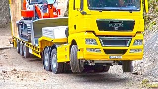 getlinkyoutube.com-Heavy LOAD on Goldhofer! BIG RC Truck Action! Hook-Lifter! Volvo! MAN! Scania! MB Arocs!