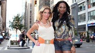 getlinkyoutube.com-Transgender Girl Band: Singer Creating America's First Transgender Music Act