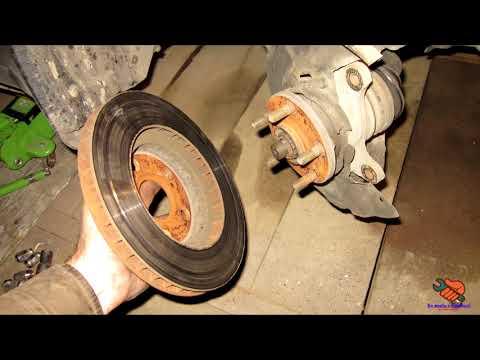 Замена передних тормозных дисков и колодок TOYOTA CORONA ST190 (CARINA E)