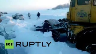 EMERCOM free cars buried in snow near Orenburg