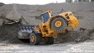 getlinkyoutube.com-Volvo L250G Long Boom Optishift - L60G - EW160D