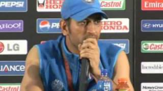 getlinkyoutube.com-Ms Dhoni talks at the press conference after wining the world cup 2011