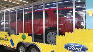 getlinkyoutube.com-Ford Explorer Now 100 Percent Reinvented in LEGO® Bricks