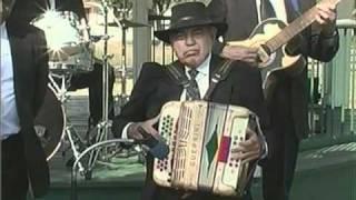 getlinkyoutube.com-Conjunto - Acordeones de Tejas TV Show, 05 08 2010 chano cadena.mpg