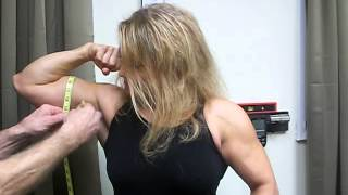 getlinkyoutube.com-Juli Moody Sets World Record with her biceps!
