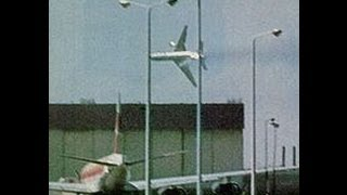 getlinkyoutube.com-Air Crash Investigation - America's Deadliest / Falling To Pieces