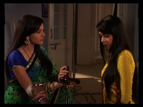 Iss Pyaar ko ....: Aastha slaps Aditi - Bollywood Country Videos