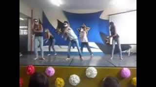 getlinkyoutube.com-Show de Talentos EE Sapopemba ( Christina Aguilera , Nicki Minaj , Lady Gaga)